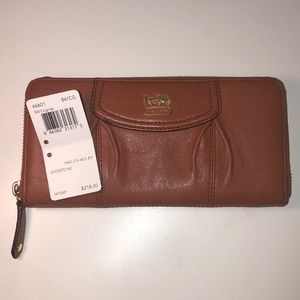 NWT Coach Madison Leather Accordion Zip Wallet